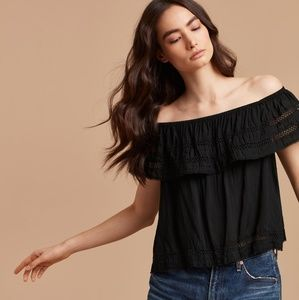 Aritzia Wilfred Hollande off the shoulder blouse